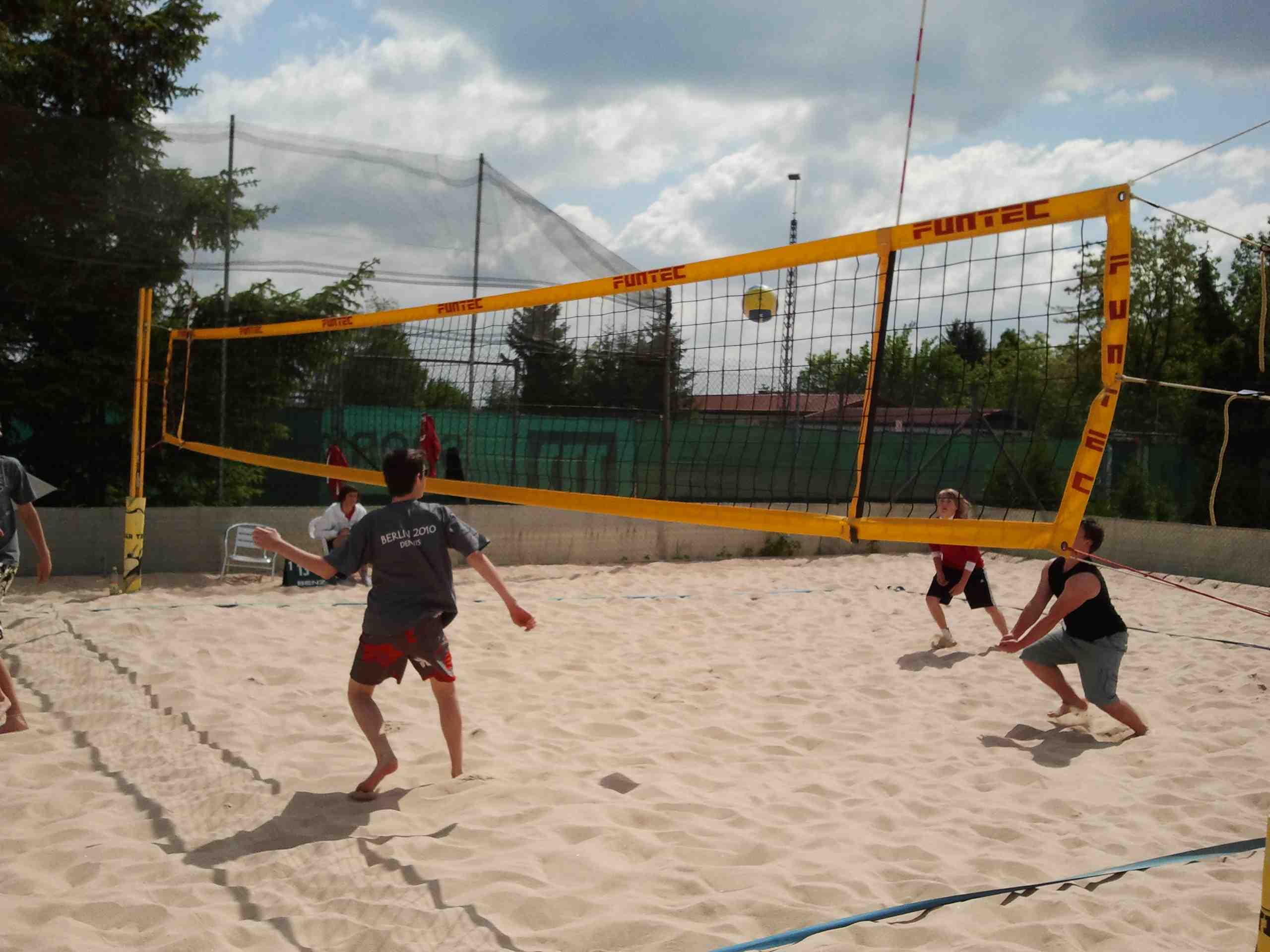 Beachvolleyball 04.05.2011 - 07